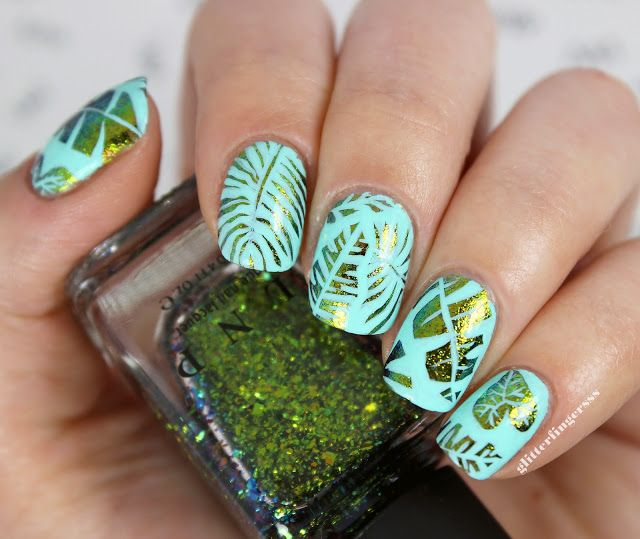 38shimmering Palm Nail Design