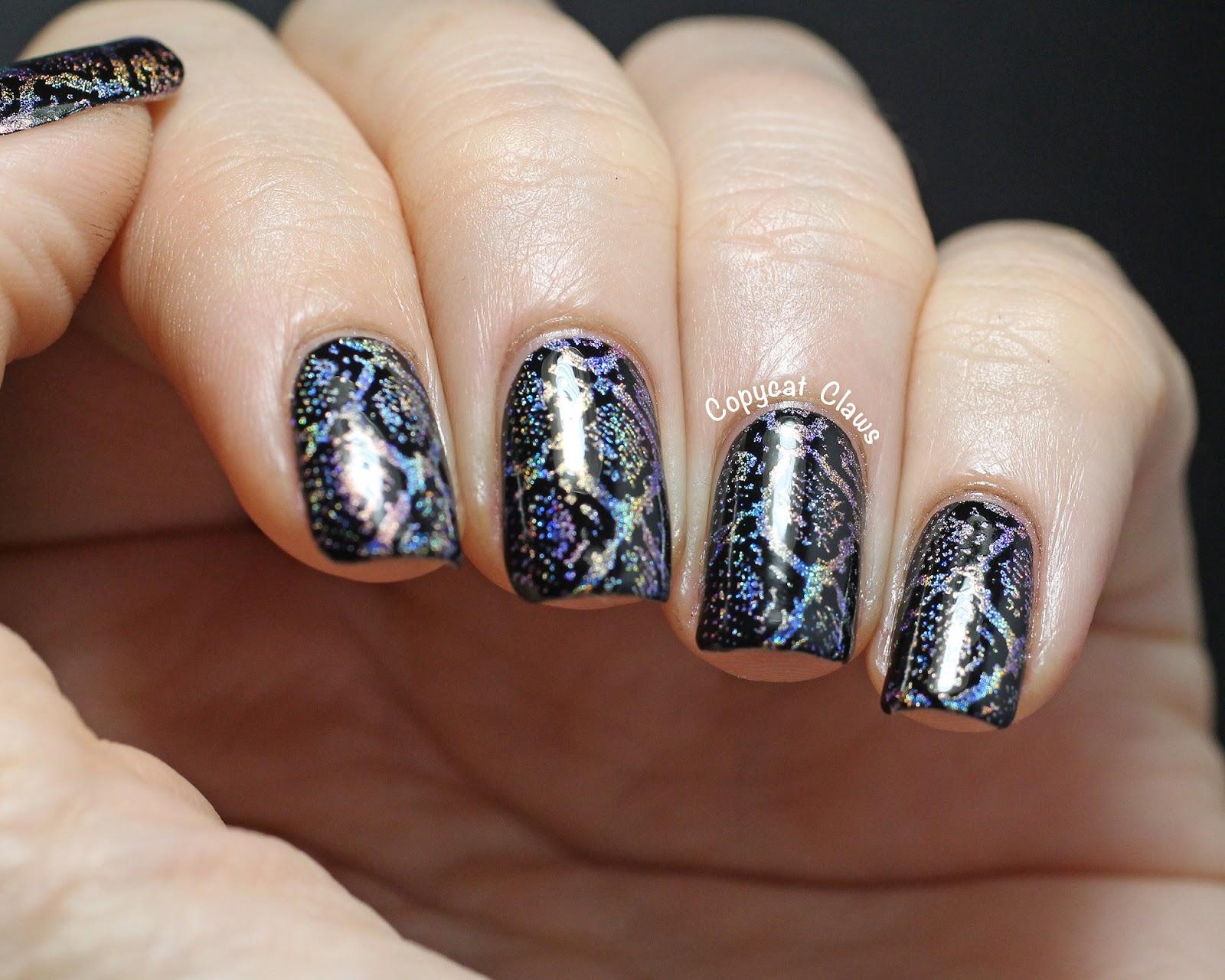 6Holographic Arabesque Nail Design