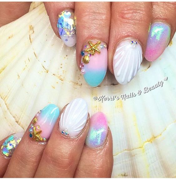 32 Gorgeous Nail Art Images Inspired By Summer Motifs: 35 Pretty Seashell Nail Designs