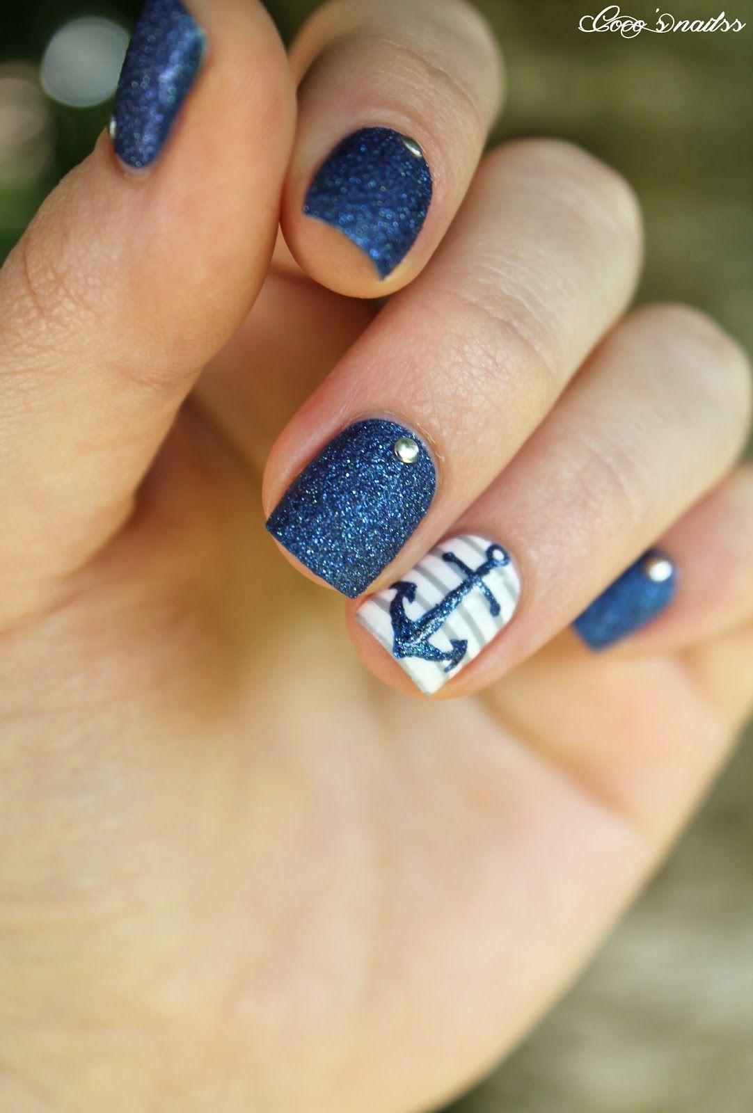 40 Irresistible Nautical Nail Designs | Nail Design Ideaz