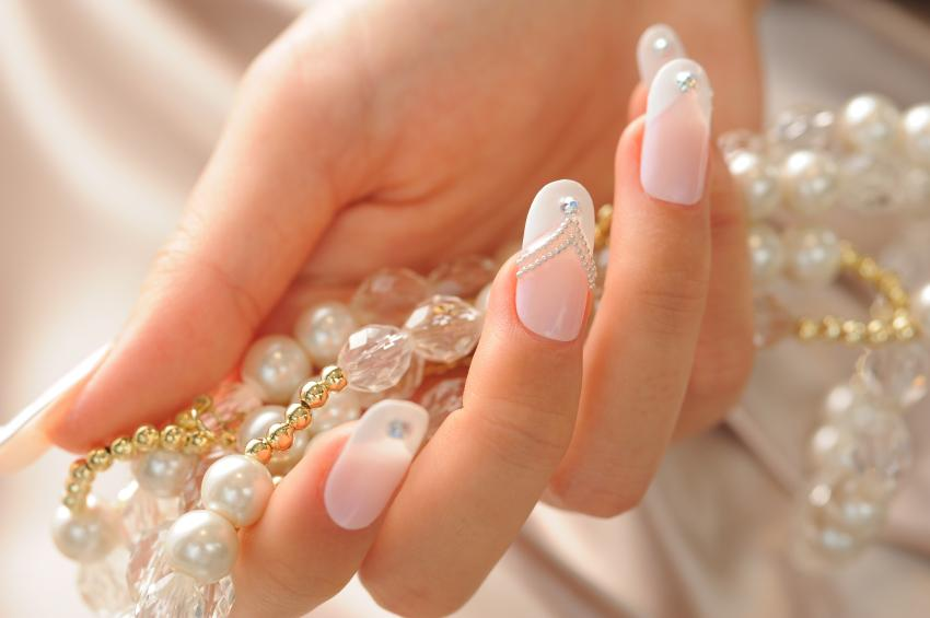 40 Wedding Nails Design To Complete Your Bridal Look