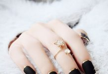 Gold Outlined Matte Black Nails