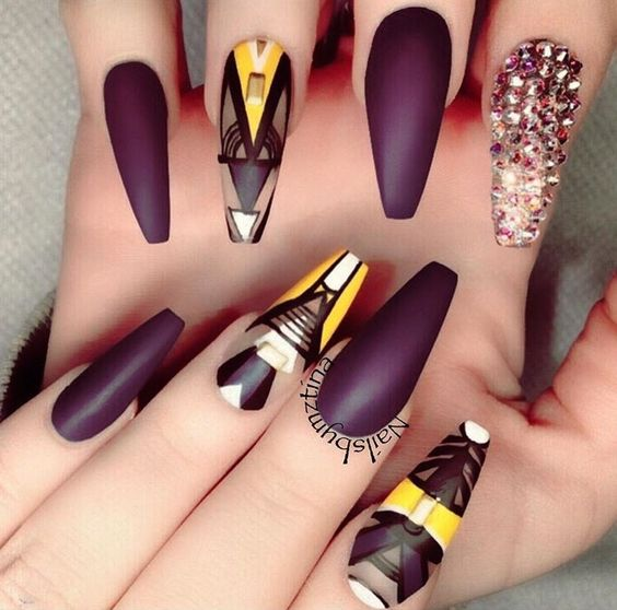 30 Fashionable Designs For Coffin Nails