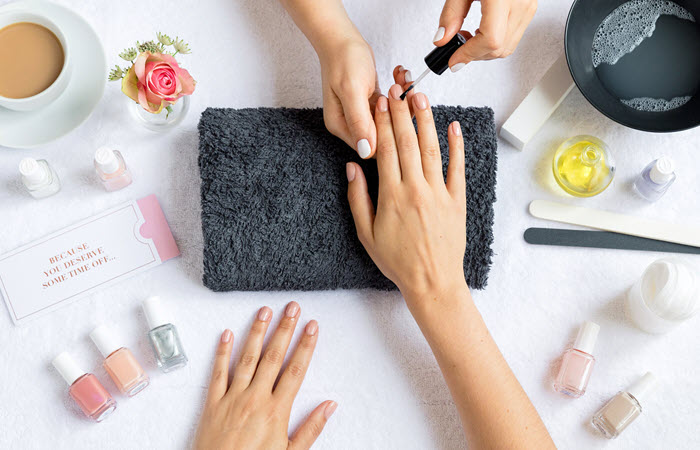 The Best Nail Glue Every Nail Junkie Must Have