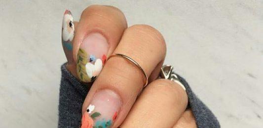 Floral Tip Almond Nail Art