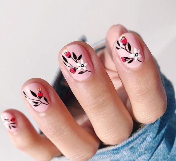 35 Hang Nguyen's Chic Nail Art Collection