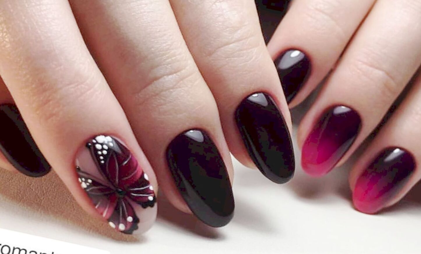 32 Chic And Creative Short Oval Nail Designs
